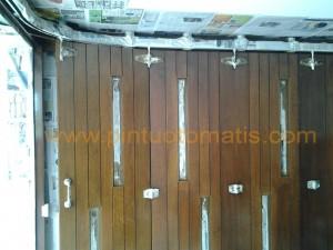pintu garasi otomatis